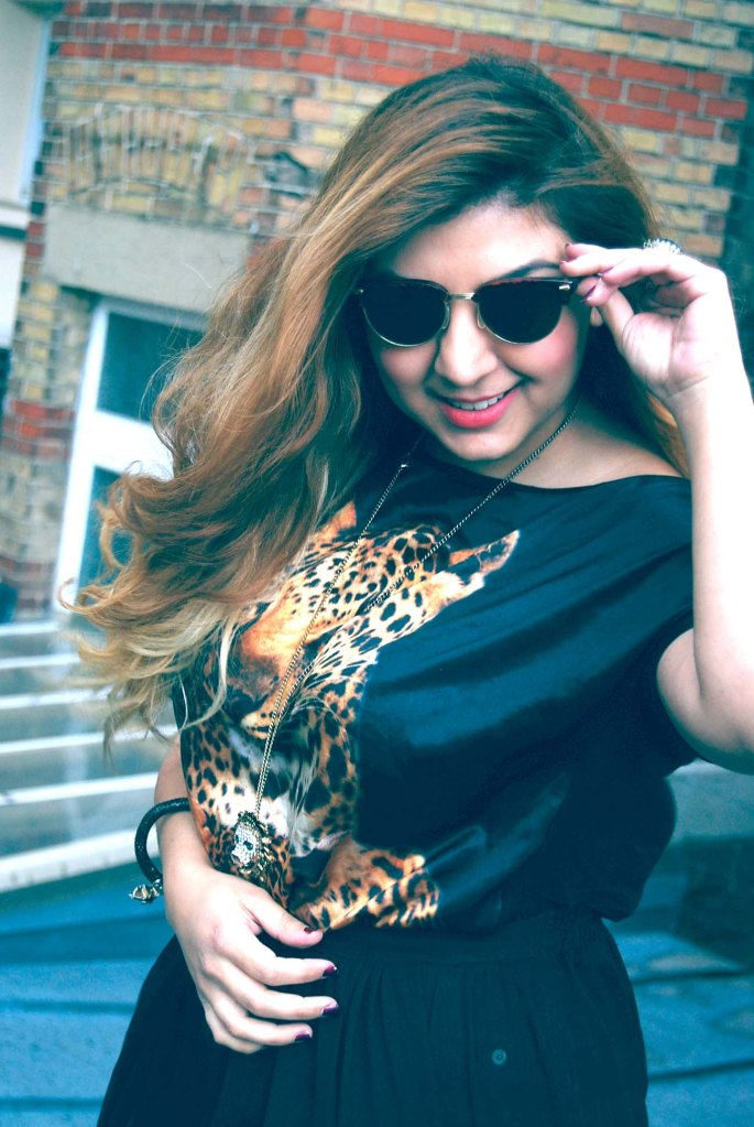 waniea tiger top and sunnies
